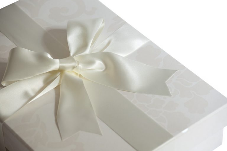 Close up of Ribbon on Endsleigh Ivory